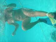 Photos du minou de Michclavier, Une Canadienne  sous l'eau