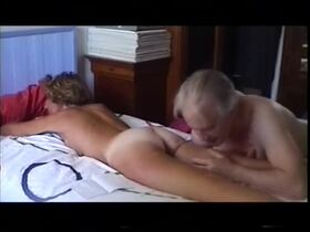 Videos de la sextape de Delaseal, un joli petit cul