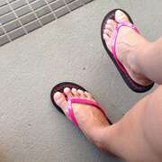 Photos des pieds de Pied974, Mangez moi sur les pieds ..