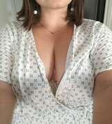 Photos des seins de Marie-ling, Je me déshabille pour vous