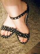 Photos des pieds de Buterfly, Ma Princesse adorée aux pieds dorés.