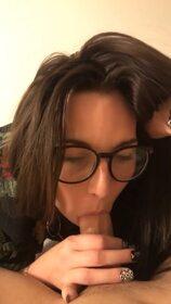 Videos de la sextape de Plancul69, Une amie s'occupe de moi